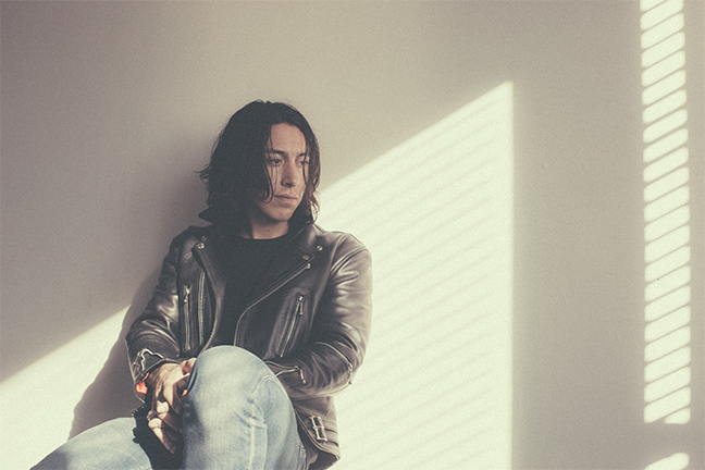 NOAH GUNDERSEN - Sunday, October 11, 2015 at Visulite Theatre